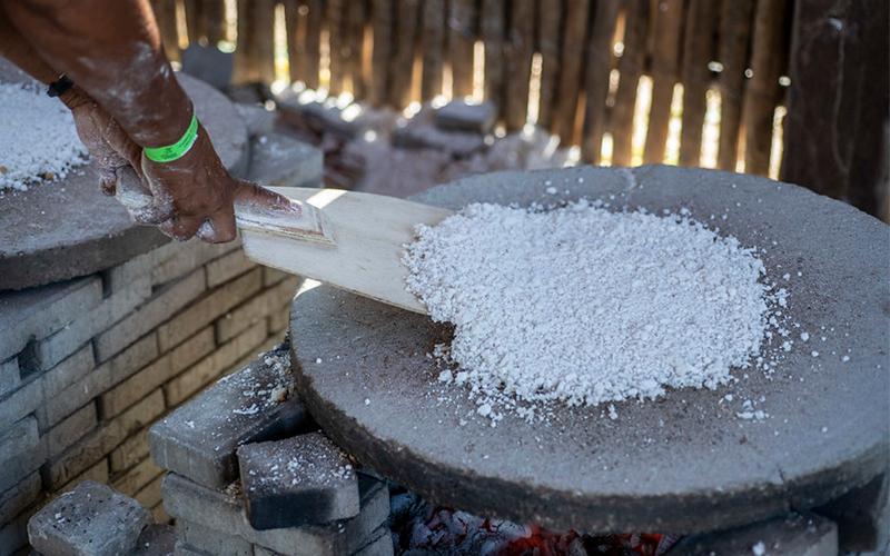 É de comer rezando – Socialização de práticas alimentares da Praia de Guajiru / Trairi