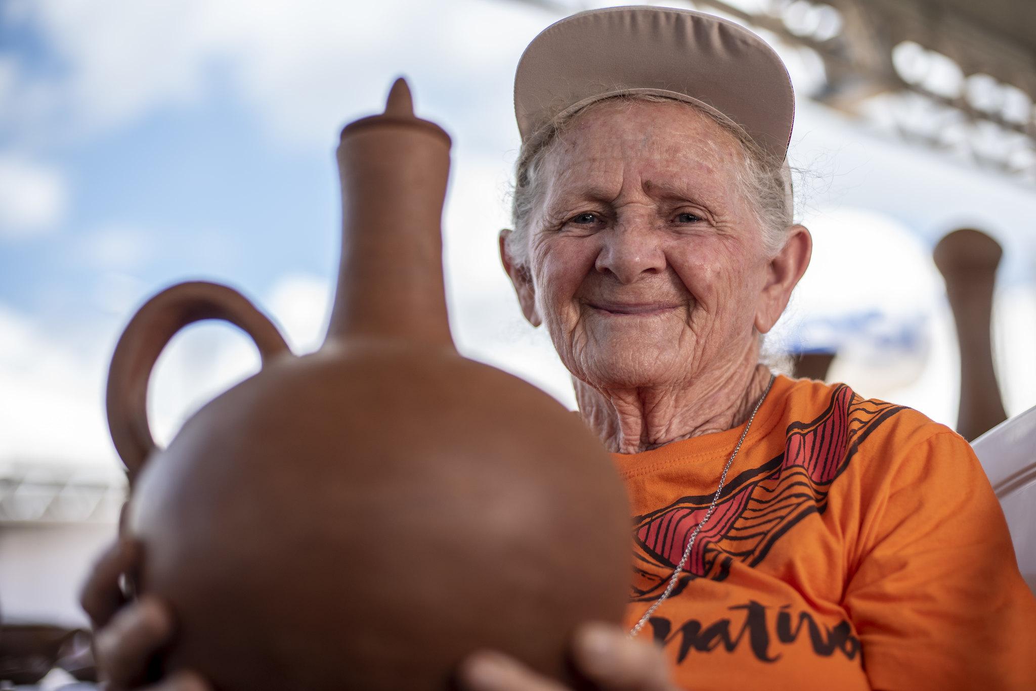 Loiceiros e loiceiras do Ceará apresentam artesanato em barro no Encontro Herança Nativa