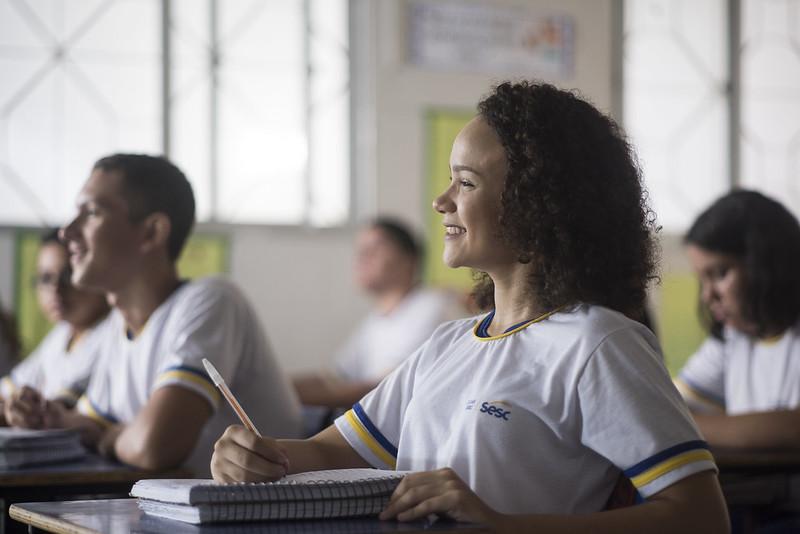 Rede Sesc de Ensino retoma aulas com ensino online