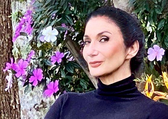 Italianíssima: Zizi Possi faz show inédito em live com parceria do Sesc Juazeiro do Norte